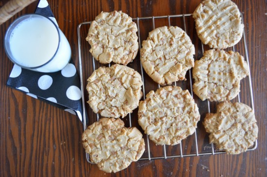 L-M-N-O-Peanut Butter Cookies from OhMyPotluck.com